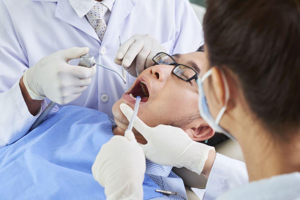 植體周圍炎可怕嗎?勿輕忽植牙細菌感染後果