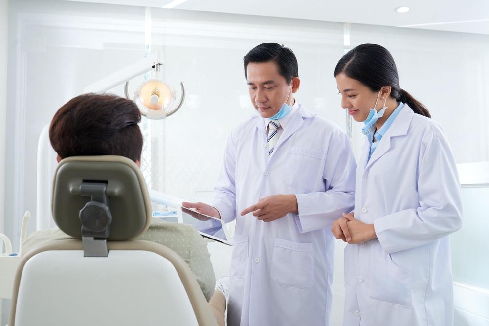 植牙術後知識大集合,您知道植牙後多久可以吃東西嗎?